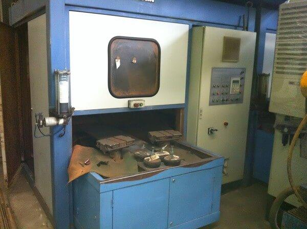 Máquina de Polir Automática com 2 Porta-Peças Polisgring MSA-2-700